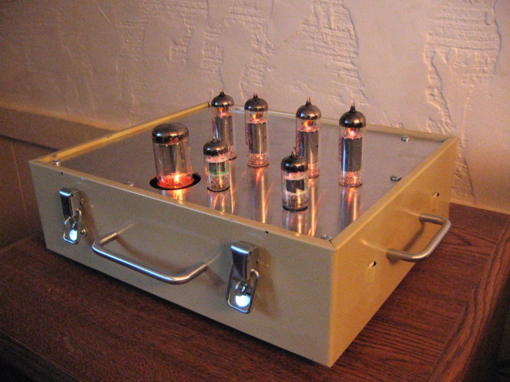 Electron Tube Audio Metaruss Pushpull 45 Amplifiers Blog Angle Shot Of The Chassis Running Jj Tubes